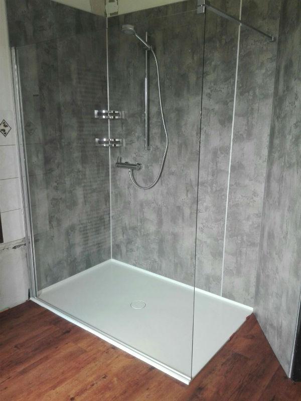 Bild zeigt Walk in Dusche