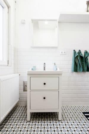 Bild zeigt kleines Waschbecken